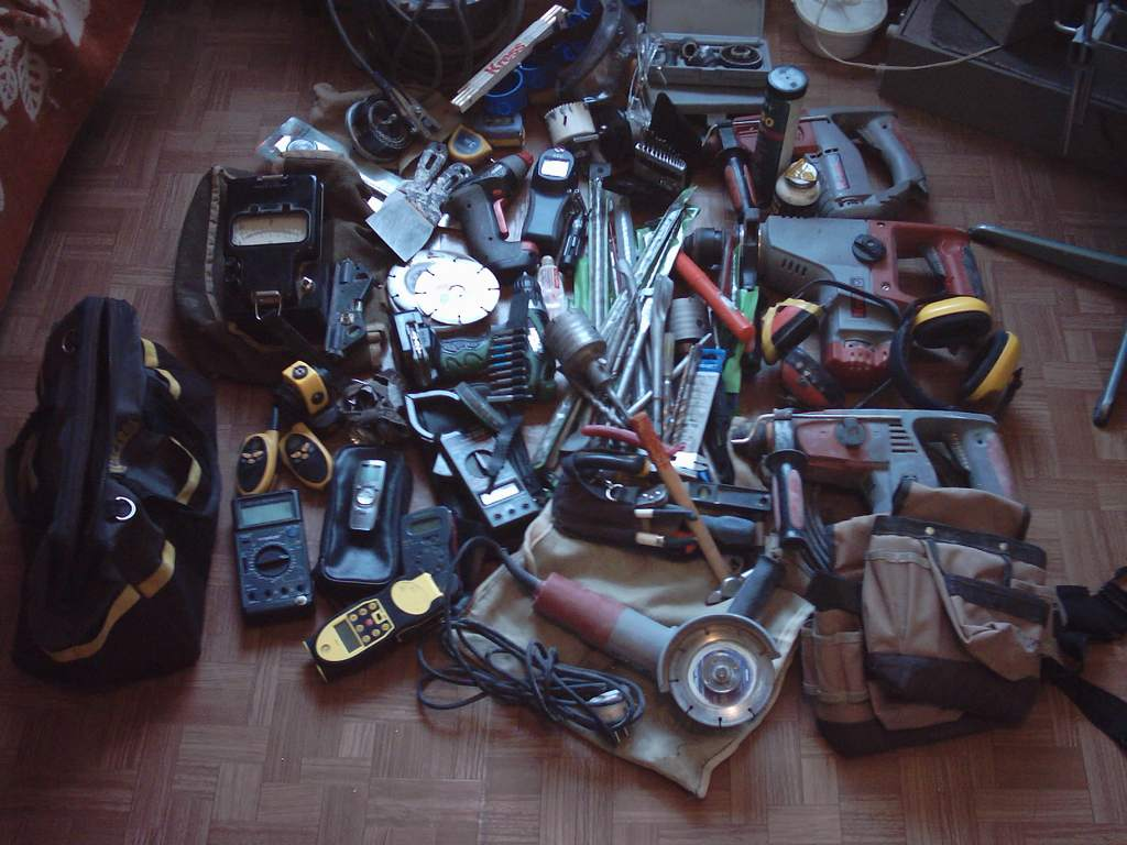 What do you carry in your tool bag/box?-0002.jpg
