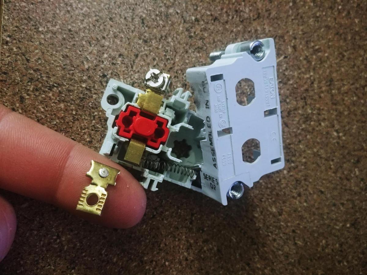 Change pushbutton screw terminals?-15174582641081185352943_1517458314710.jpg