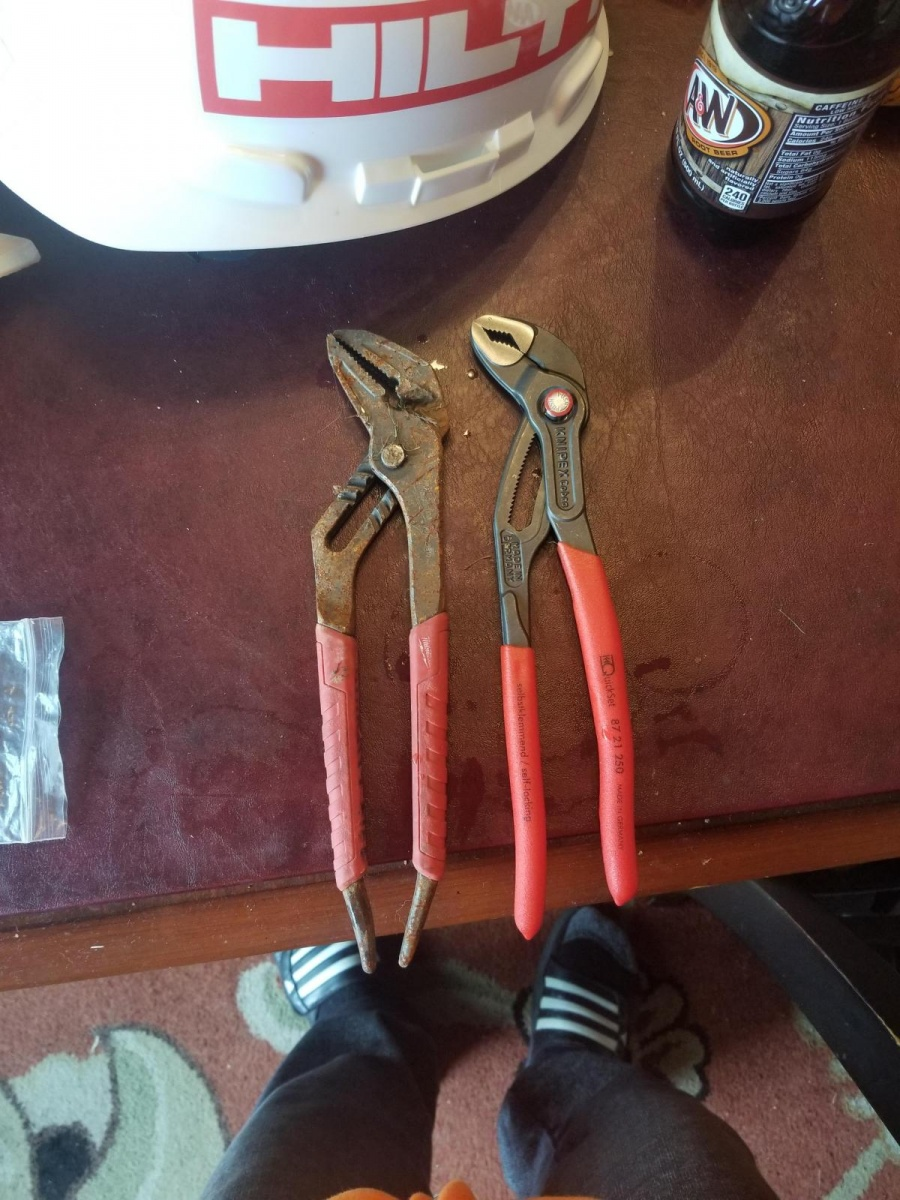 "Knipex 10"" channel locks... gotta be a joke.-15395241132247684295331594990841_1539524362851.jpg"