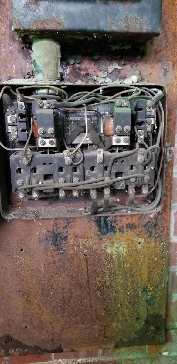Old Motor Starter Wiring Help-20190212_123526_1550117652327.jpg