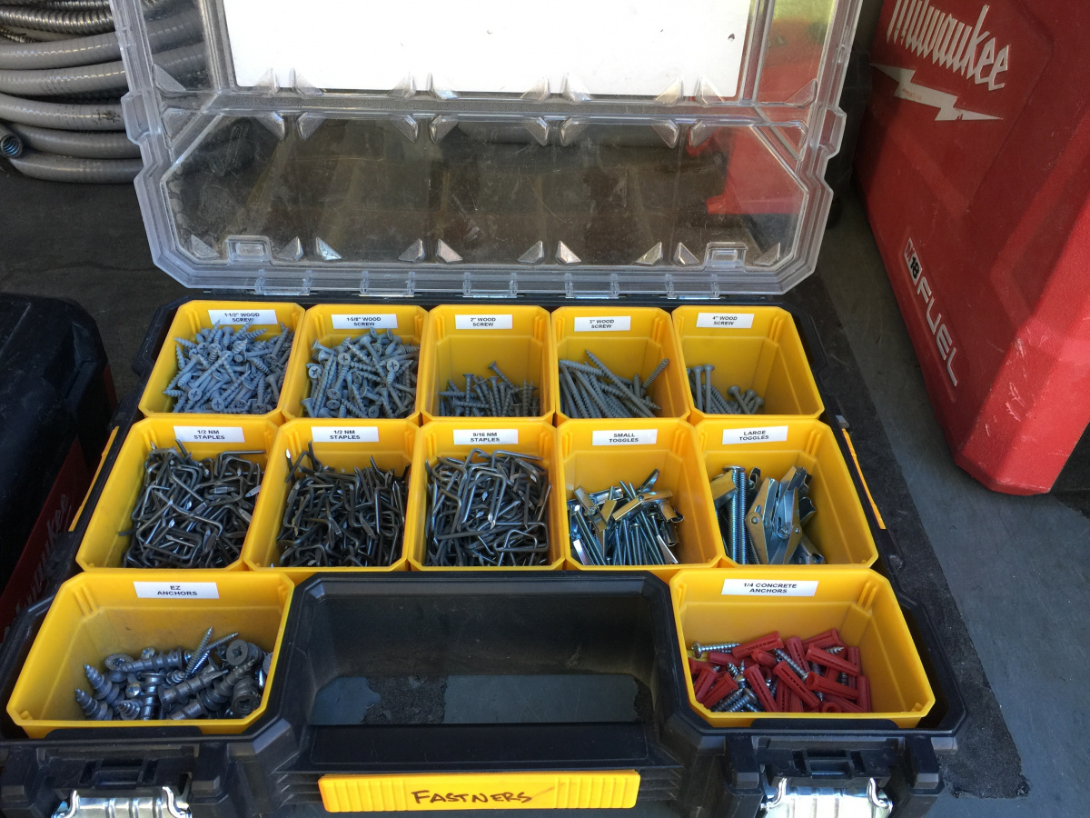 Plastic lock together tool boxes/organizers-81e27c06-7d29-4104-8a4d-6546ed2e725f.jpg