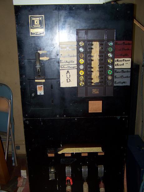 Vintage Stage Lighting-cabinte1.jpg