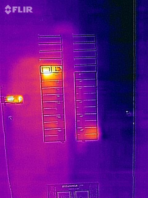 Thermo image GFCI breaker-hardsix-gfci-flir.jpg