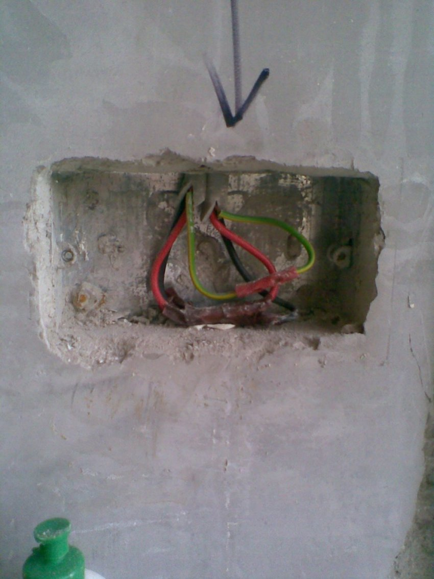 Plastering Over Crimped Cables ?-image000.jpg