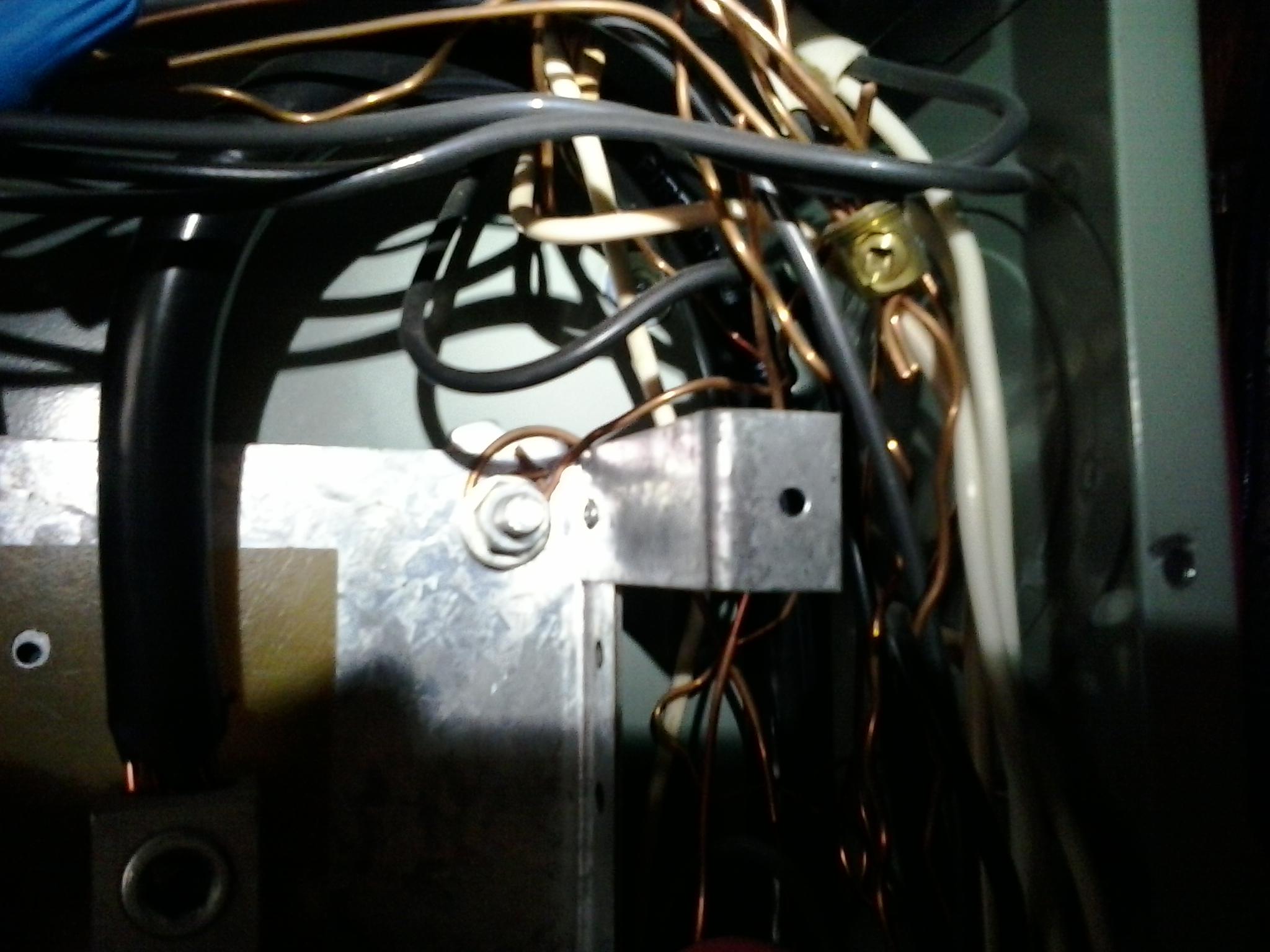 Ziemlich Wire Electrical Panel Bilder - Schaltplan Serie Circuit ...
