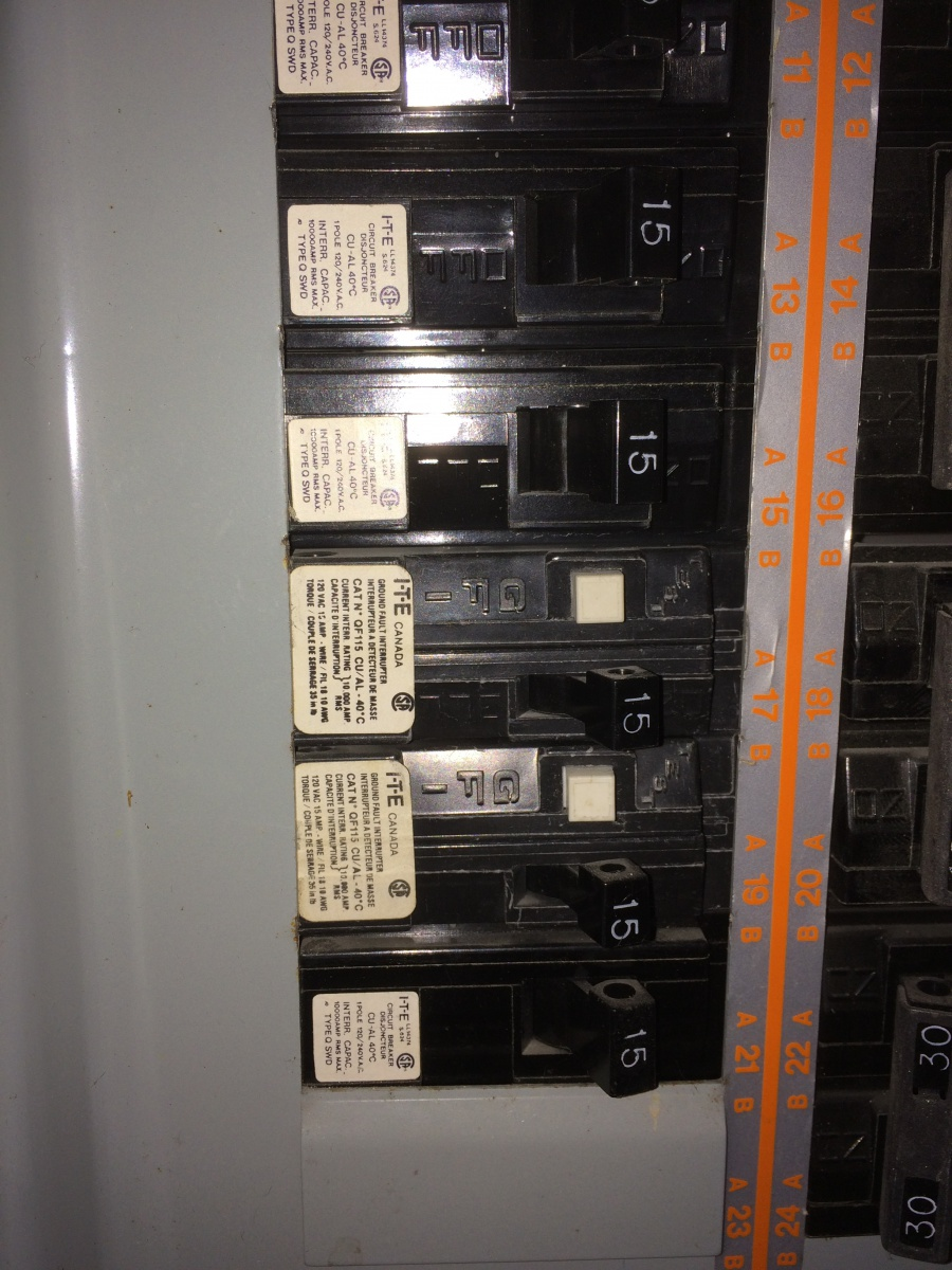 What Brand Breaker Fits Old I T E Imperial Panel 15 Amp Fuse Box Img 7609