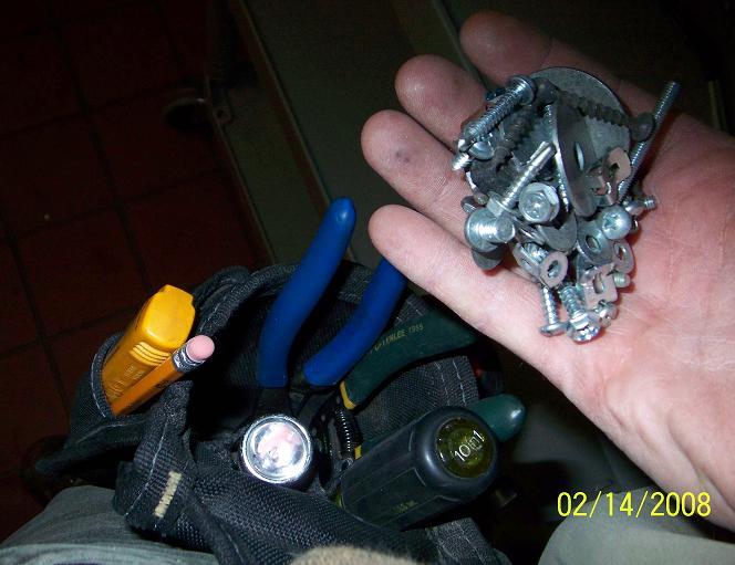 Best tool Belts for Elect. Work-magnet-trick.jpg