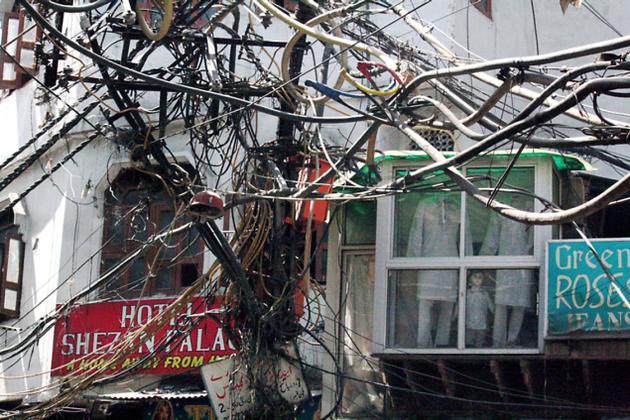 87353d1469572352 overhead line detached garage overheadwiring overhead line to detached garage page 2 electrician talk detached garage electrical wiring at eliteediting.co