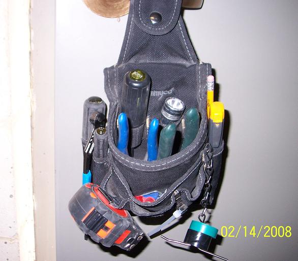 Best tool Belts for Elect. Work-service-pouch.jpg