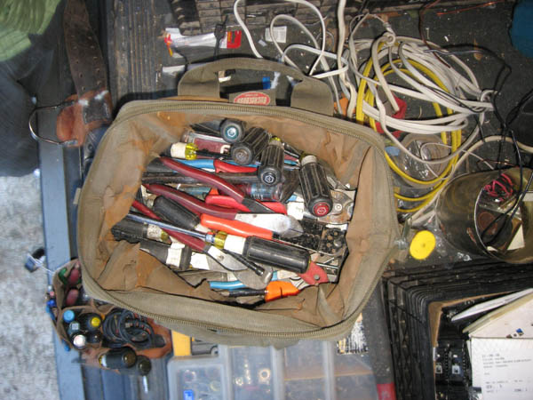 Wiggy Voltage Tester Leads : Whats in your tool bag pouch page electrician